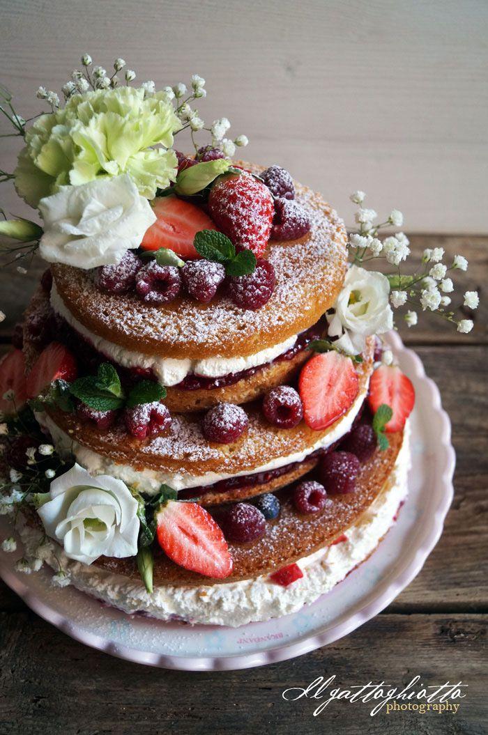 Naked cake ai frutti di bosco per la mia biondina for Fiori con la e