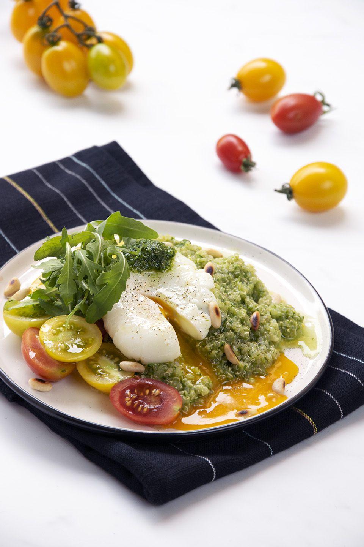 Quinoa con pesto di rucola e uovo