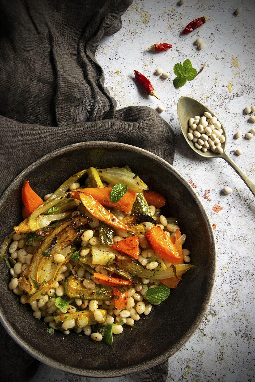 Insalata piccante di fagioli e verdure