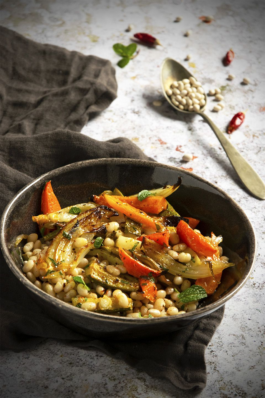 Insalatadi fagioli e verdure arrostite